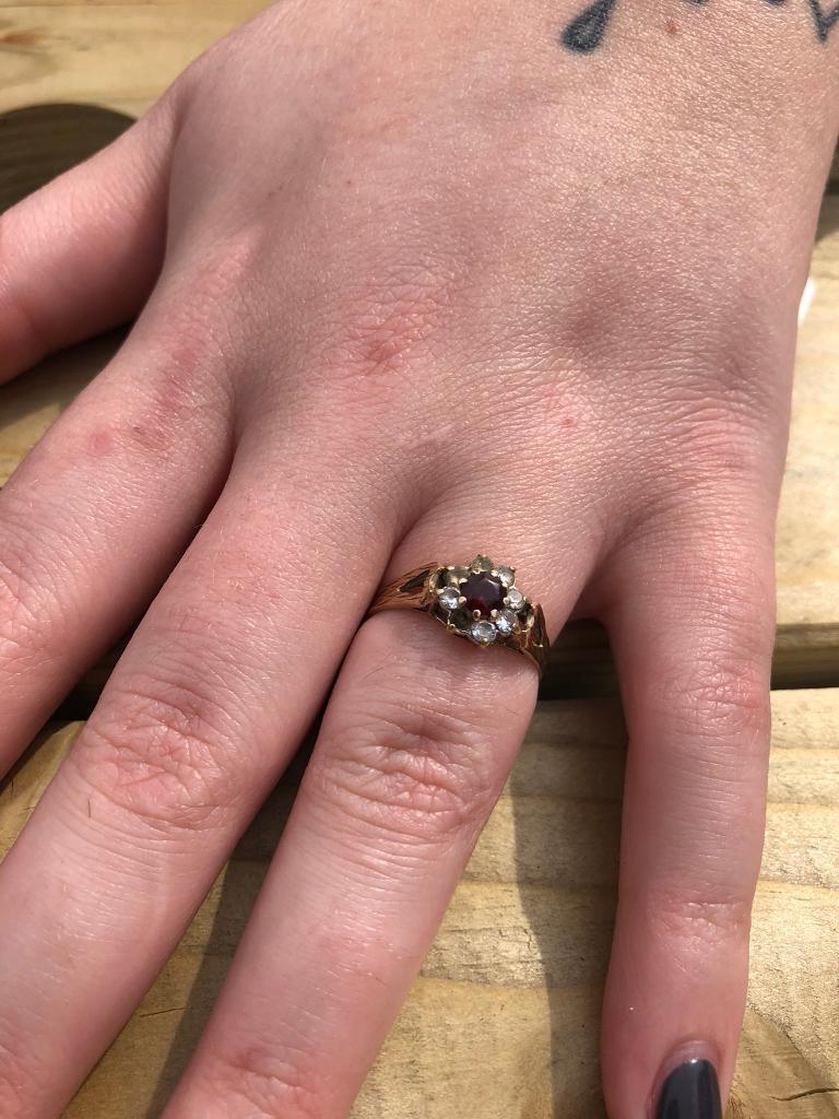 Ladies garnet ring 9ct gold jewellery | in Dartford, Kent | Gumtree