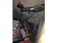 GOLD GYM EXERCISE BIKE