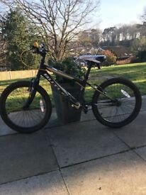 Boys 20inch wheel bike.