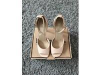 BNIB: Boohoo NUDE colour heels UK Size: 6