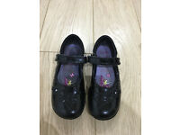 Clarks girls shoes size 9 1/2