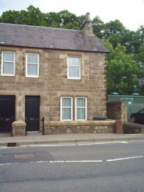 SCONE - ONE DOUBLE BEDROOMED FLAT - OWN FRONT DOOR - DG/CH - ALL WHITE GOODS - PARKING - £395.00