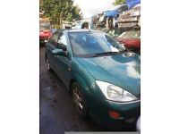 2001 FORD FOCUS 1.6 GHIA PETROL WINDSCREEN FOR SALE MORE PARTS AVAILABLE