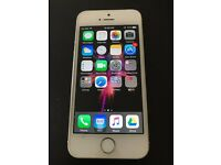 IPHONE 5S Silver 16GB for SALE !!!!! It is well maintained & like Brand New !!!!!!!!!