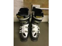 Ladies Saloman ski boots - size 22/23 (UK 3 to 4)