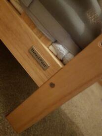 Cot / crib bed