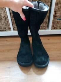 Genuine ladies size 6.5 black back zip Ugg Boots rrp £150