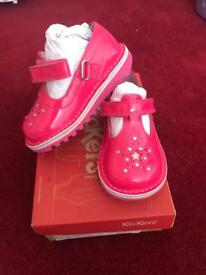 NEW girls pink Kickers patent leather size 6 & 9