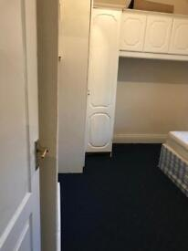 Single room &double room available to rent