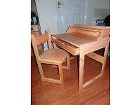 CHILDREN'S/ KID'S LEARN 'N PLAY WOODEN DESK & CHAIR
