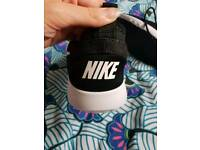 Womens NIKE TRAINERS Brand New Without box
