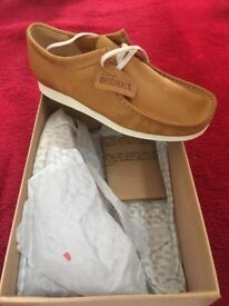 Brand new size 9.5 Clark's Wallabee Aerial Leather Moc - mustard