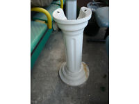 White Bathroom Sink Pedestal Free-Standing Round Base