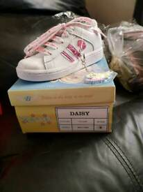Daisy bear girls trainers
