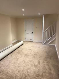 5 BEDROOM HOUSE ( ROOMS TO LET ) IN READING THEALE