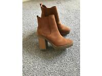 Brand new tan boots size 4