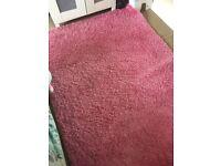 Large pink rug, 133x195cms