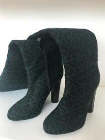 URGENT - Aperlai knee high dark green textile in size 37 (feel like 36.5)