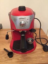 Delonghi red coffee/espresso machine, boxed