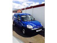 Blue Citroen berlingo great clean small van