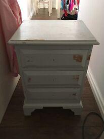 Pine 3 drawer bedside table