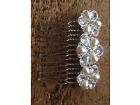 Bridal hair comb and pearl pins