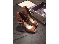 Genuine Leon Max Leather Kudos Heels Size 6 RRP£250 SELLING CHEAP £55 Great condition