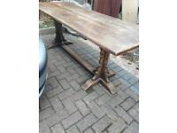 Soil d farm house table and 8 chairs