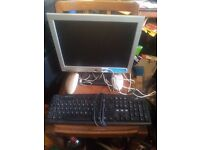 PC Monitor 15INC SCREEN / COMES WITH A KEYBOARD AND 2 MOUSE AND LEADS
