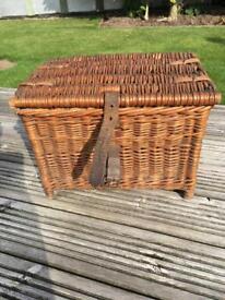 Fishing basket ( small )