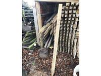 5ft staked fence posts