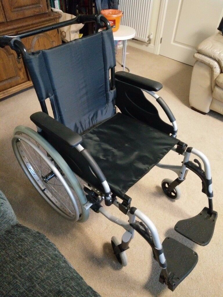FOLDING SELF PROPELLED WHEELCHAIR - STRONG FRAME BRAND NEW!