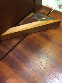 Small vintage type drop leaf table