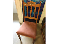 Oak chair , in good condition. feel free to view free local delivery