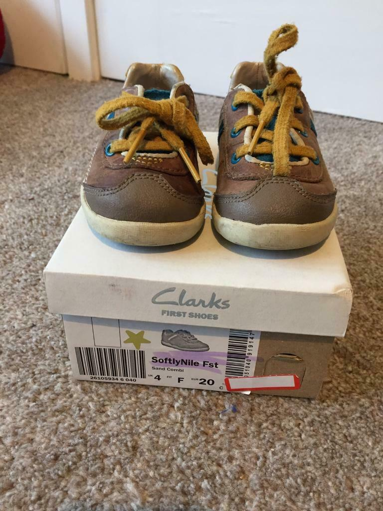 890b414325f1 Clarks SoftlyNile Infant Boys Shoes Size 4F