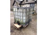 Waste oil tank