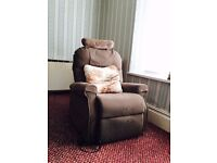 Electric Rise & Recline Chair ***EXCELLENT CONDITION***