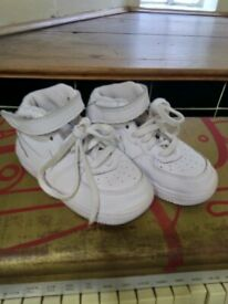 Nike toddler's trainer boots central London bargain