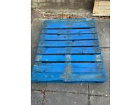 FREE Wooden pallet