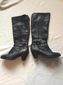 Real leather lady's boots size39 only £13