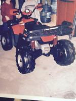 4x4 kids battery operated jeep, only used 1 summer