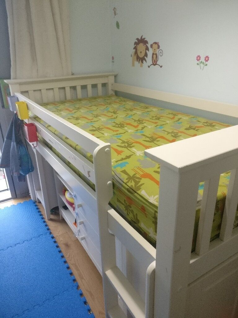 Kids bed / mid sleeper / sleep station