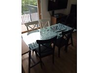 Cheap Dining Table and Chairs in very Good condition