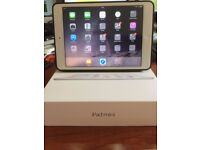 Apple iPad mini2 Silver 32GB Wifi 7.9-inch Retina display + Black Leather Apple Cover & Original Box