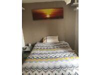 Large bedroom to rent -available NOW!