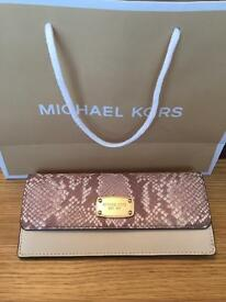 Genuine Micheal Kors Jet Set Wallet