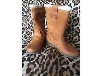 """TIMBERLANDS """" New"""" with tags 2 1/2"""