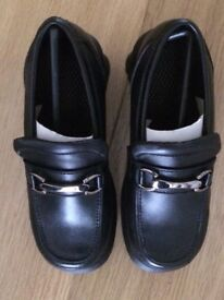Girls school shoes. Sizes 12.13.1 and 2. Brand new