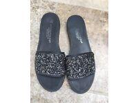 Shoes size 5 hardly worn