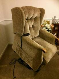 SHERBORNE ELECTRIC RECLINER AND RISER